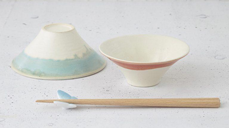 結婚祝いや引出物に!富士山風夫婦茶碗と蝶の形の箸置きと箸