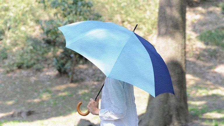 憂鬱な雨の日も楽しみに!カラフルな傘でコーディネートしましょう!