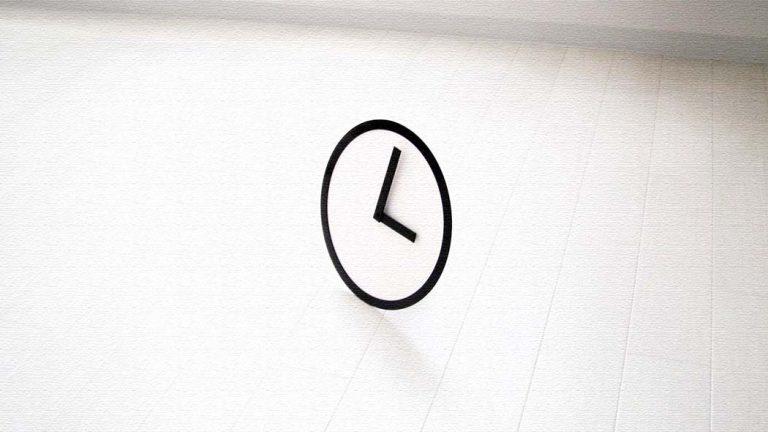 2mm厚の白黒アクリル板時計ピクトクロック!ギフトにも!
