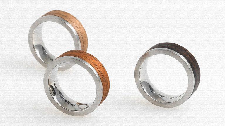 木とステンレスの2つの質感がおしゃれな指輪「Glint」
