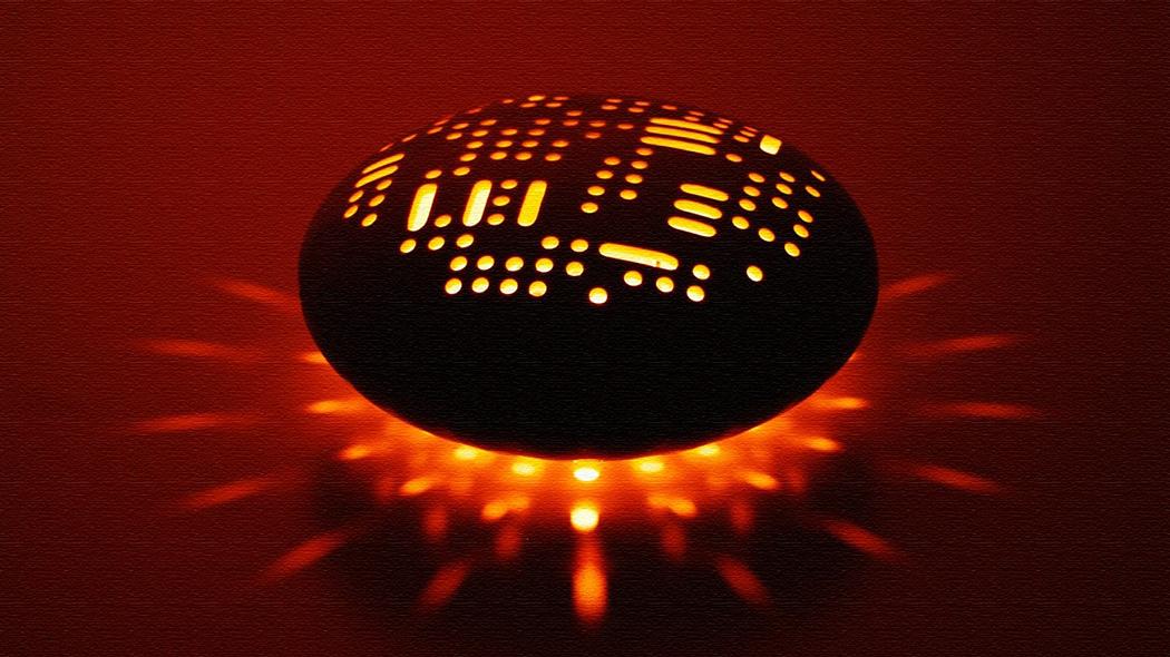 丸いデザインが美しく光も楽しめるアロマポット「Pebble」