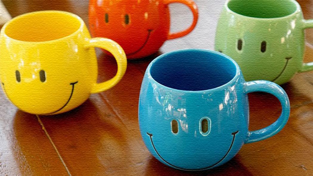 笑顔が伝わるマグカップ!レトロアメリカンなデザインがGOOD!