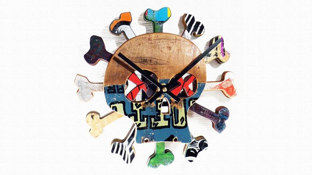 スケートボードを使った時計!Boneless Skate Clock(ボンレススケートクロック)
