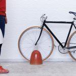 信楽焼バイクスタンド「Trip」|創業130年窯元新ブランドのアイテム