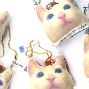 ねこつむり|猫の頭がバッグチャームになったかわいい猫グッズ