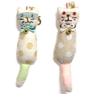 ネコノコ|ドット柄のポップなデザインの猫のバッグチャーム