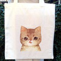つぶらなネコの瞳に癒されます~。ネコのホワイトエコバック